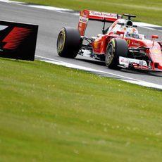 Sebastian Vettel firma el cuarto puesto en los Libres 1