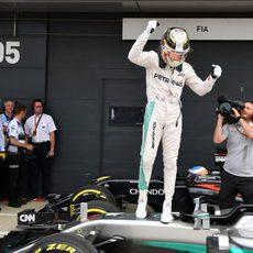 Pole de Lewis Hamilton en Silverstone