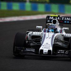 Valtteri Bottas prueba el rendimiento de su Williams