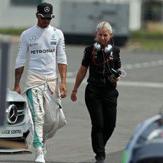 Lewis Hamilton no acabó los Libres 2 en Hungría
