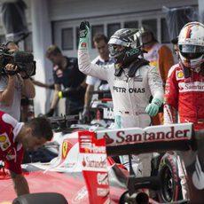 Sebastian Vettel y Nico Rosberg acaban la clasificación