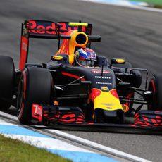 Max Verstappen se mostró sólido en los entrenamientos