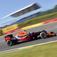 Buen ritmo en tandas largas de Daniel Ricciardo