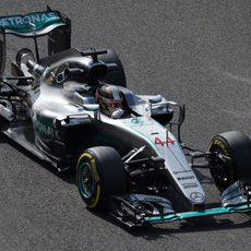 Lewis Hamilton tiene un fin de semana complicado