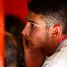 Esteban Ocon concentrado en su primer GP con Manor