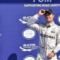 Nico Rosberg gana la partida una vez más por la pole
