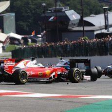 Sebastian Vettel se queda en medio de la pista
