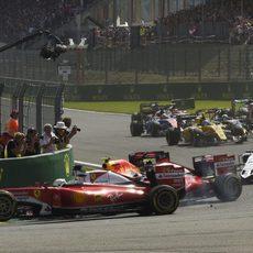 Momento del toque entre Vettel y Räikkönen en Spa