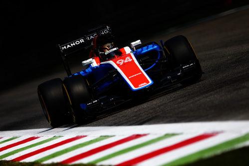 Pascal Wehrlein rueda en el trazado de Monza