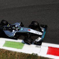 Nico Rosberg prueba su ritmo en tandas largas