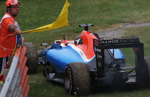 Pascal Wehrlein se queda tirado en Monza