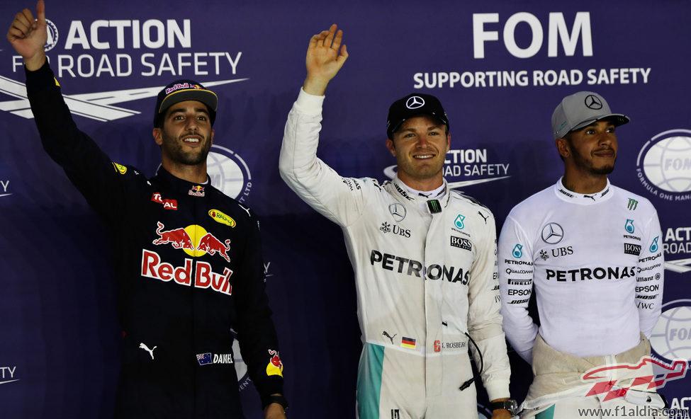 Rosberg, Ricciardo y Hamilton vuelan en Marina Bay