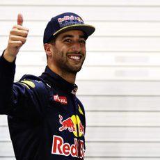 La sonrisa y el pulgar de Daniel Ricciardo