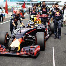 Max Verstappen se posiciona en parrilla
