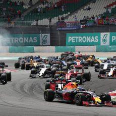 Primeras curvas en Sepang para muchos pilotos