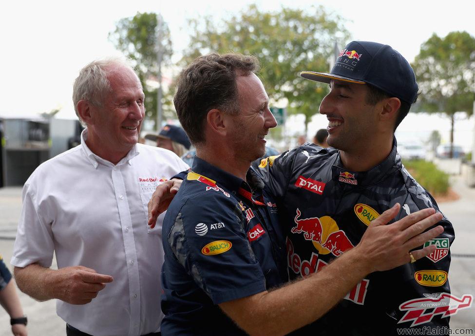 Christian Horner felicita a Daniel Ricciardo