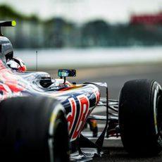 Carlos Sainz practica salidas en Japón