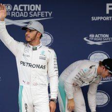Primera fila para Hamilton y Rosberg