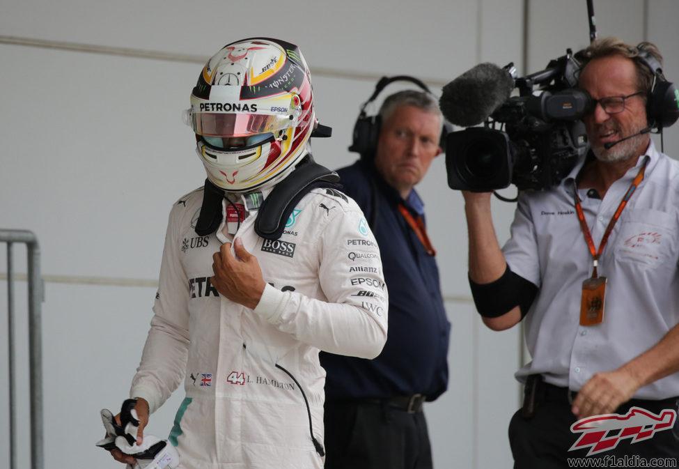 Lewis Hamilton se quedó a 13 milésimas de la pole