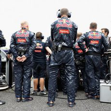 Red Bull cubre sus monoplazas