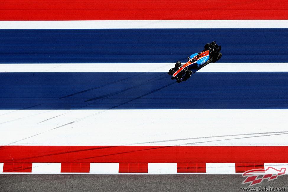 Salida de pista de Esteban Ocon durante los entrenamientos