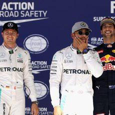 Pole de Hamilton, por delante de Rosberg y Ricciardo