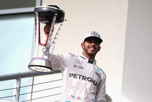 Lewis Hamilton recorta puntos a Rosberg con su victoria