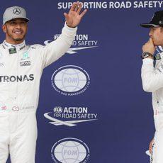 Nico Rosberg deberá batir a su compañero en pista