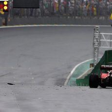 Kimi Räikkönen se queda tirado en Interlagos