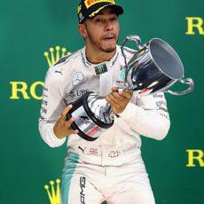 Primera victoria de Lewis Hamilton en Brasil