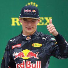 Remontada de Max Verstappen hasta el podio
