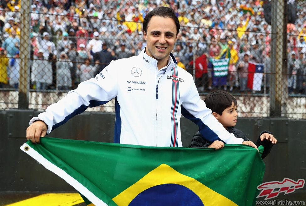Felipe Massa se despide de Brasil