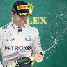 Nico Rosberg salva los muebles en Brasil