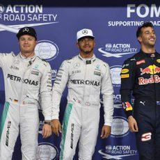 Hamilton, Rosberg y Ricciardo vuelan en Yas Marina