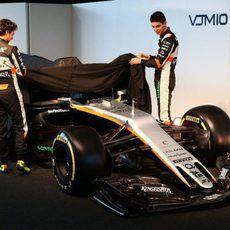 Pérez y Ocon descubriendo el VJM10