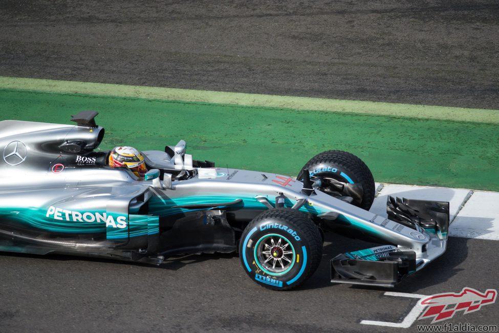El Mercedes W08 pilotado por Lewis Hamilton