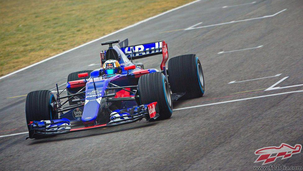 Carlos Sainz pilotando el STR12 en Misano