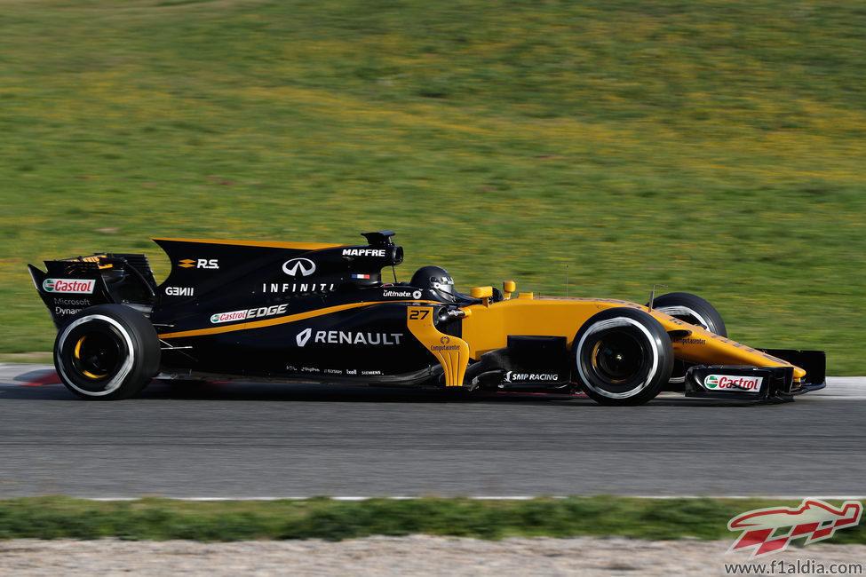 El RS17 rueda en el Circuit