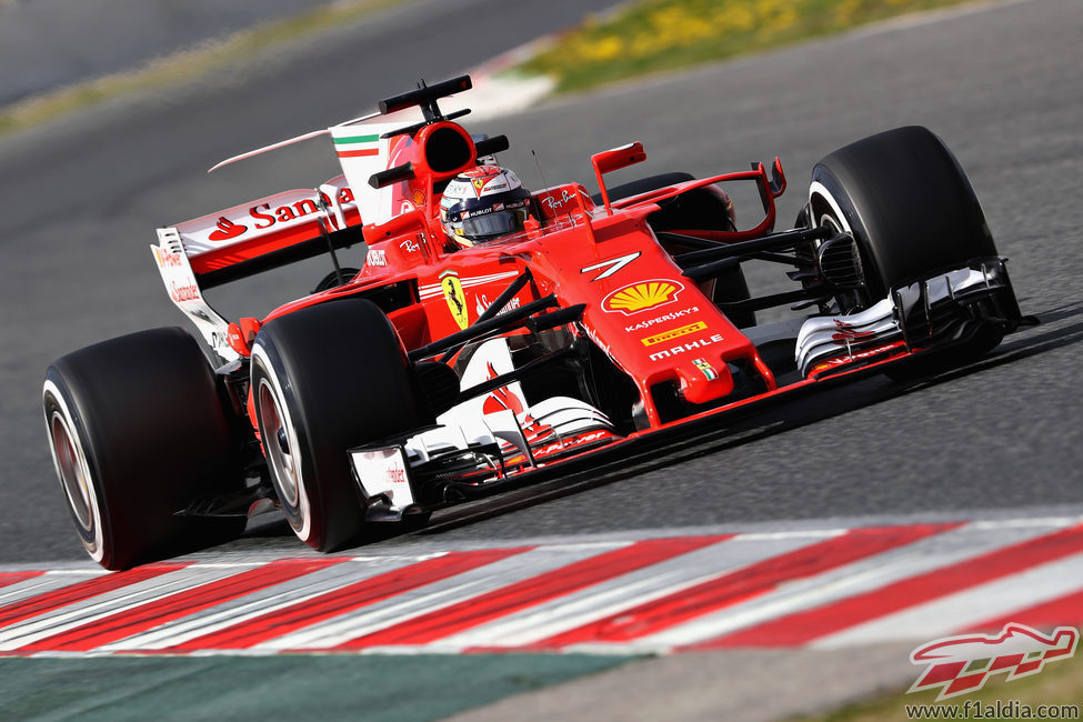 Kimi Räikkönen lideró la tabla el segundo día