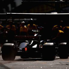 El RS17 llegando a boxes