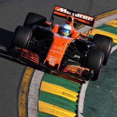 Problemas en la suspensión para Fernando Alonso