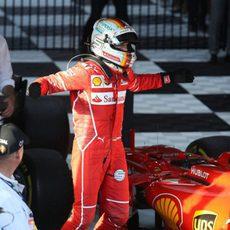 Sebastian Vettel, exultante tras su victoria en el GP de Australia