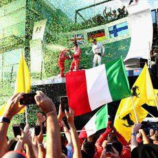 Celebración grandiosa en el podio tras meses sin F1