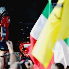 Hamilton y Vettel se saludan en párking cerrado tras la carrera