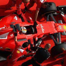 Sebastian Vettel, solo por detrás de Lewis Hamilton