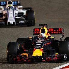 Daniel Ricciardo no tuvo una carrera plácida pero acabó 5º