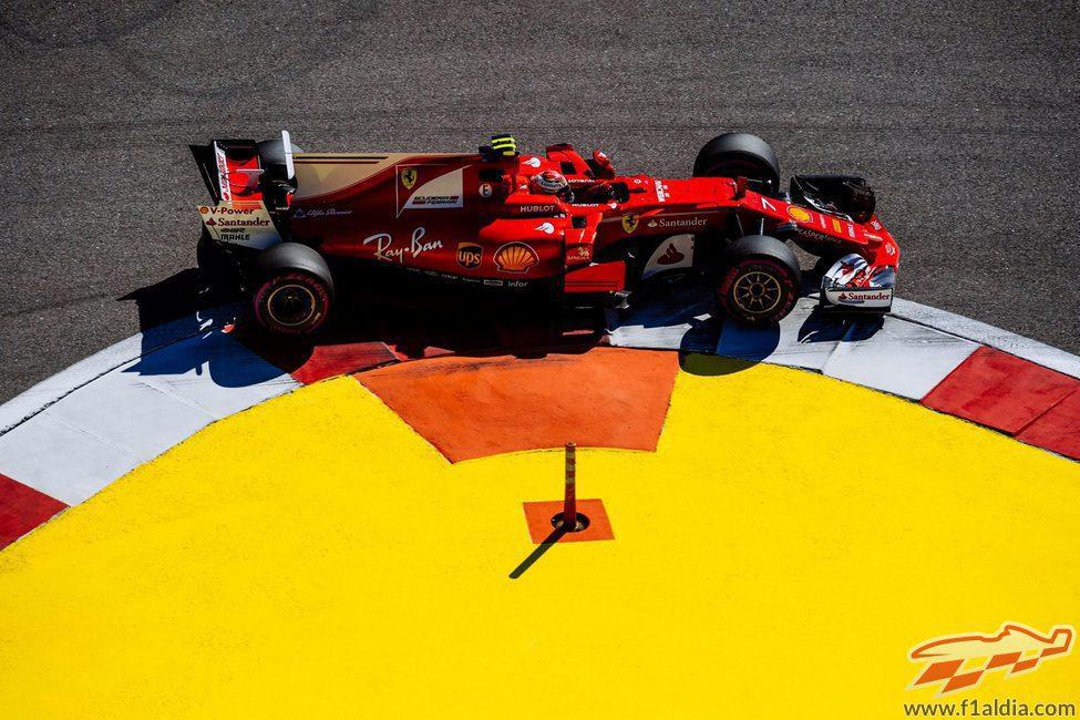 Kimi Räikkönen lidera los Libres 1 en Rusia
