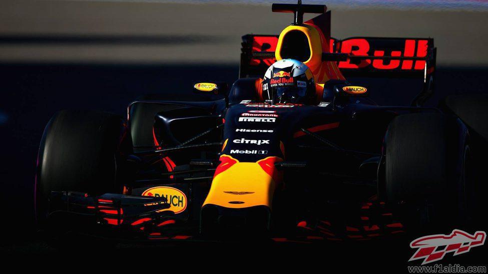 El RB13 de Daniel Ricciardo completa los libres en Sochi