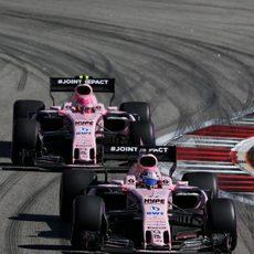 Force India, los mejores de la zona media
