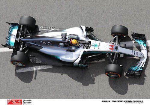 Lewis Hamilton acaba la jornada como el más rápido